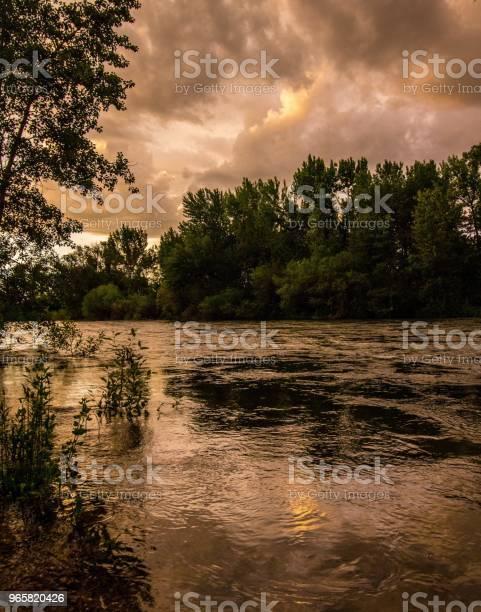 Boise River Dusk - Fotografias de stock e mais imagens de Anoitecer