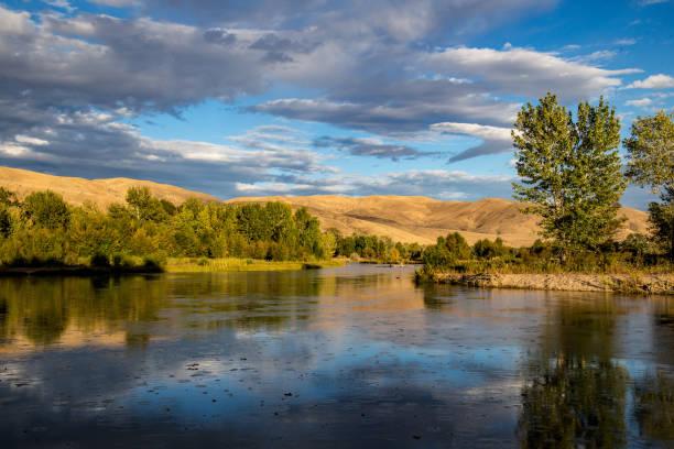 boise rivier, in boise (idaho) - zuidoost stockfoto's en -beelden