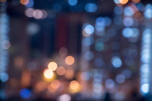 bokeh lichtmuster in der stadt - citylight stock-fotos und bilder