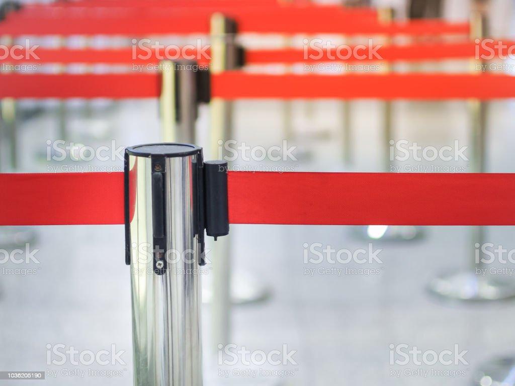 Poller aus Metall für wartende Lane Check-in Schalter – Foto
