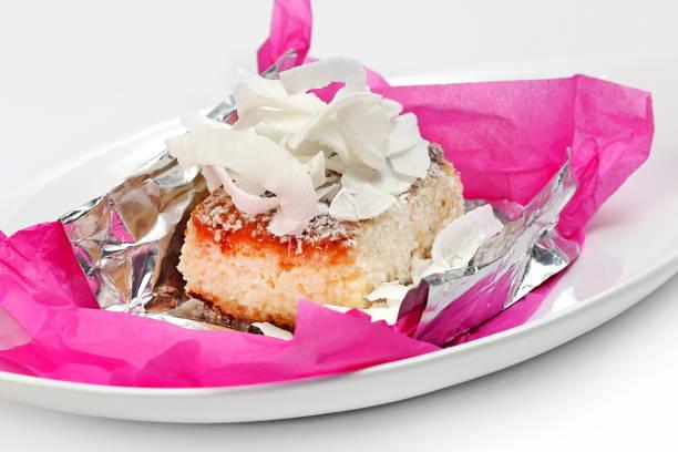 Bolo de Coco Gelado 1 frozen coconut cake gelado stock pictures, royalty-free photos & images