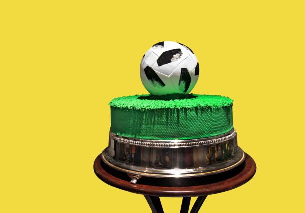 Bolo de futebol Bolo de futebol futebol stock pictures, royalty-free photos & images