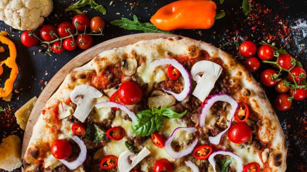 Pizza Bolognese Hackfleisch Fleisch Restaurant Mahlzeit – Foto