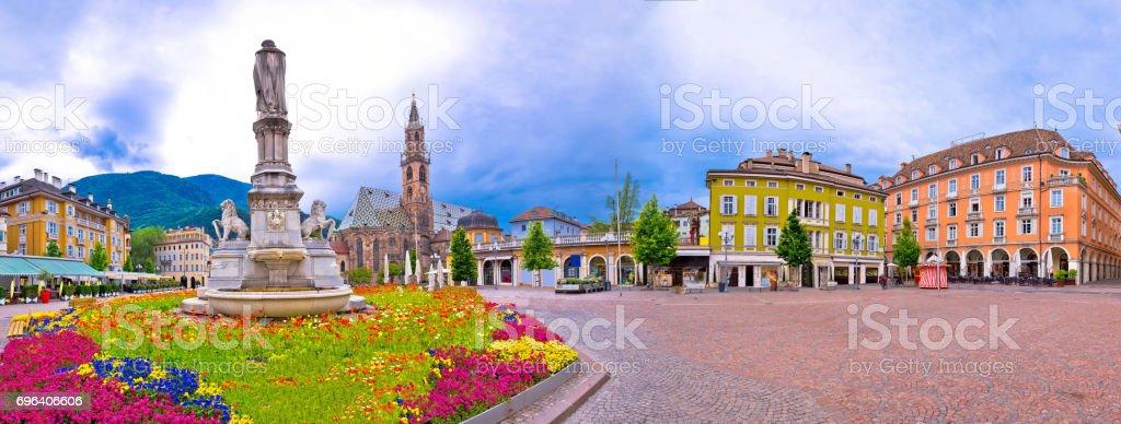 Bozen quadratische Waltherplatz Panorama-Hauptansicht Region Südtirol in Italien – Foto