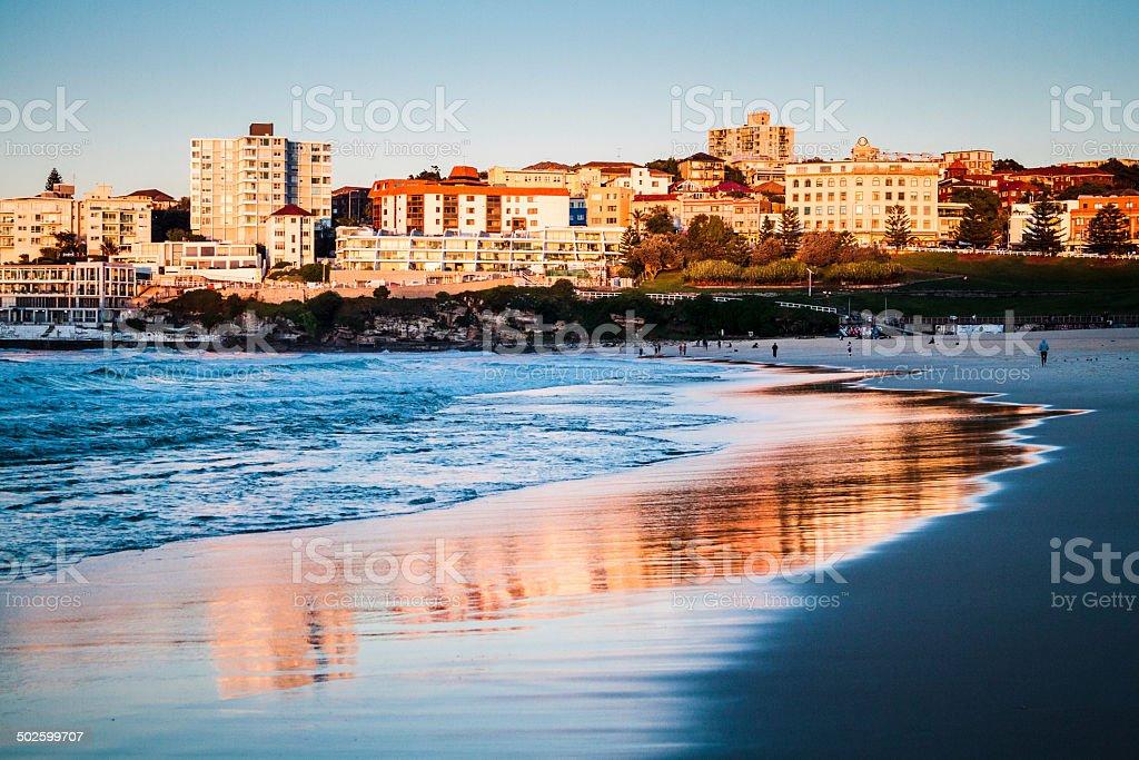 Bondi Beach – Golden River-Sydney. - Photo