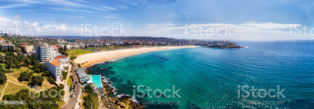 D Bondi Beach Pool 2 Head pan stock photo