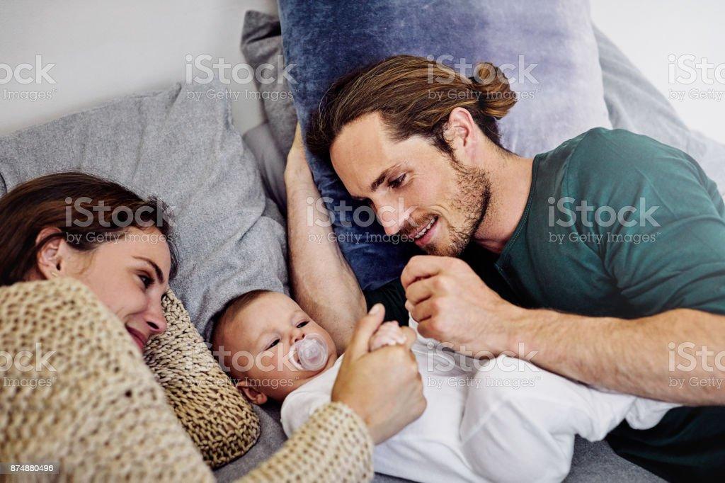 Bindung mit ihrem Baby girl – Foto