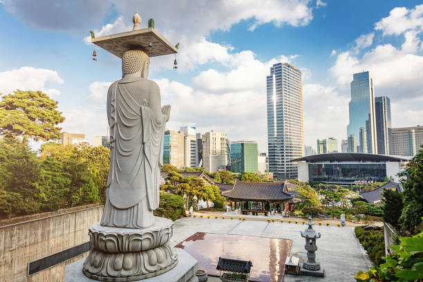 奉恩寺寺ソウル, 韓国 - ソウル ストックフォトと画像