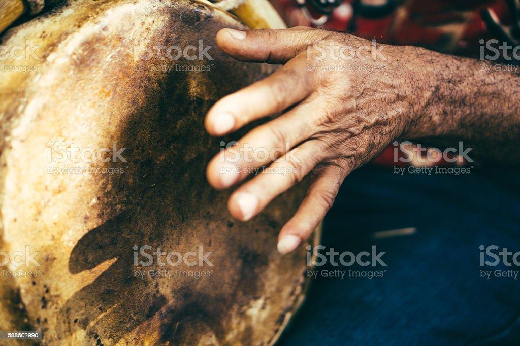 Bongó reproductor - foto de stock
