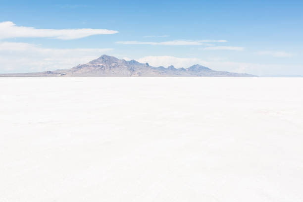 Bonneville Salt Flats, Utah Hot Summer day at Bonneville Salt Flats, Utah. bonneville salt flats stock pictures, royalty-free photos & images