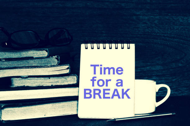 Book and break time. Time for a BREAK 本と休憩時間 メモ stock pictures, royalty-free photos & images