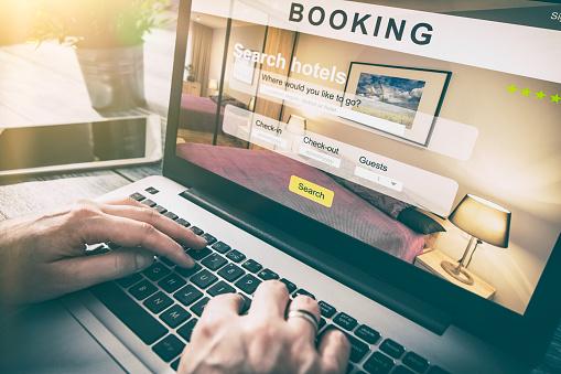 Booking Hotel Travel Traveler Search Business Reservation - Fotografie stock e altre immagini di Affari