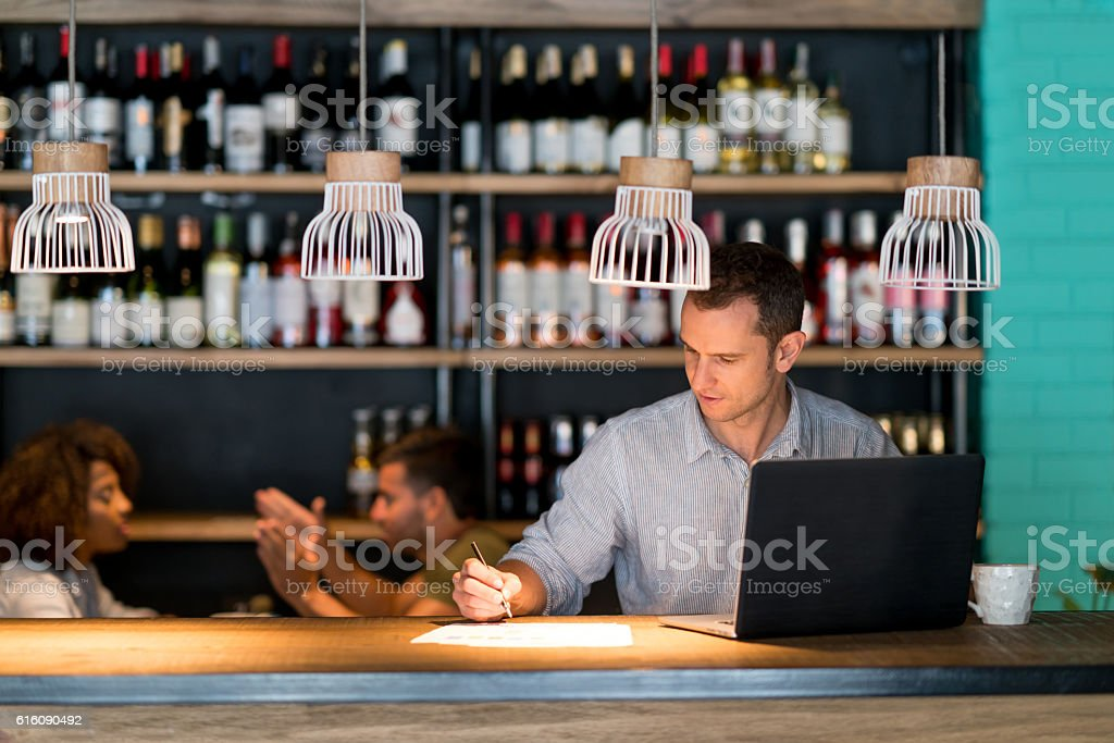 Bookkeeper working at a restaurant – Foto