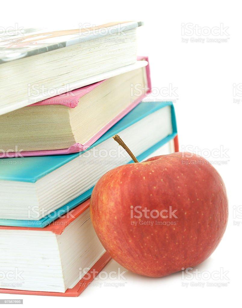 Livres et de pomme photo libre de droits