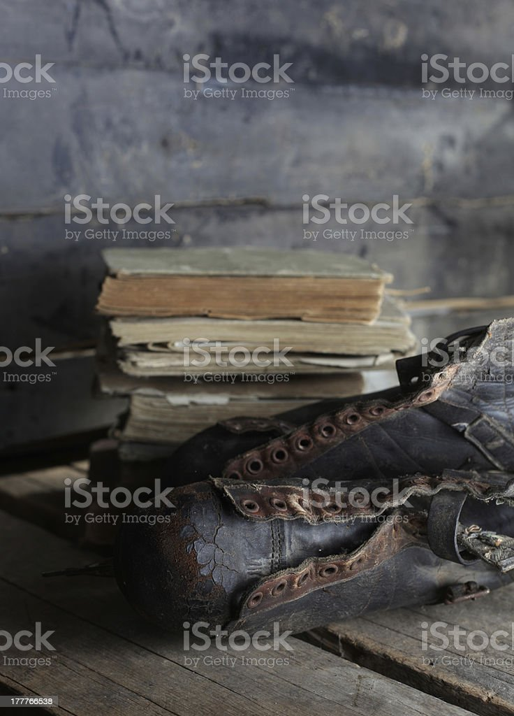 books and skates - Royalty-free Attic Stock Photo