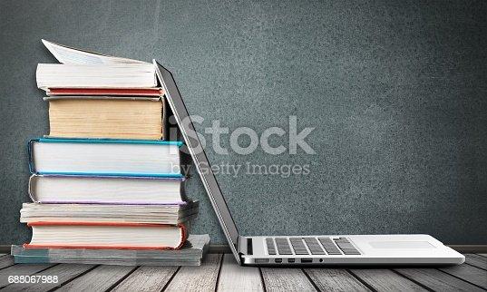 istock Books. 688067988