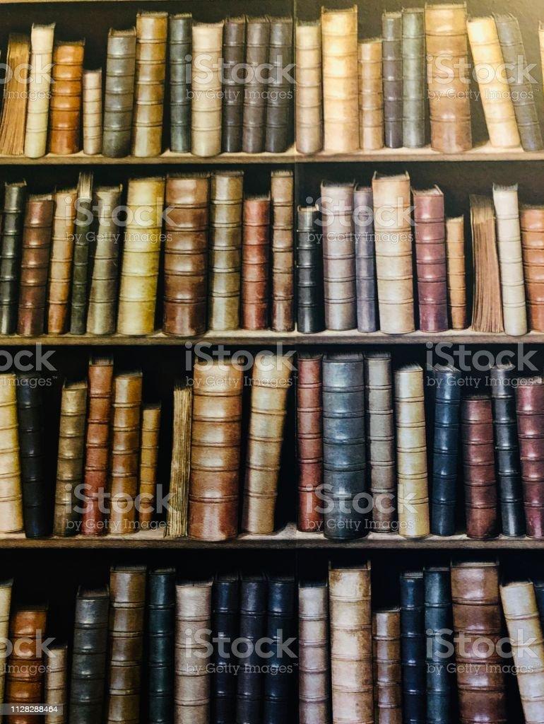 本棚の壁紙 Ii アーカイブ画像のストックフォトや画像を多数ご用意 Istock