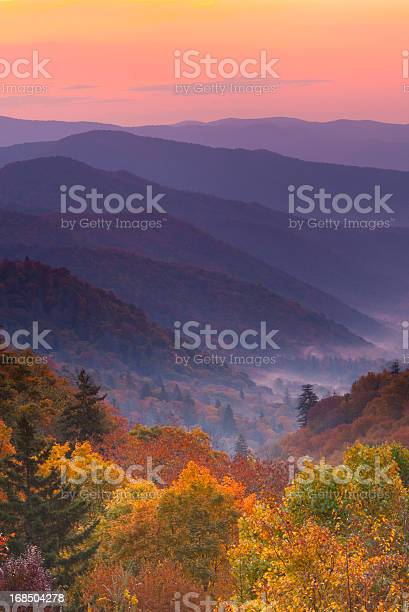 Boom view of magnificent autumn mountain sunrise picture id168504278?b=1&k=6&m=168504278&s=612x612&h=d2 vcywzgbi czrtcru5yimg3cot4g5oa tpqote6vi=