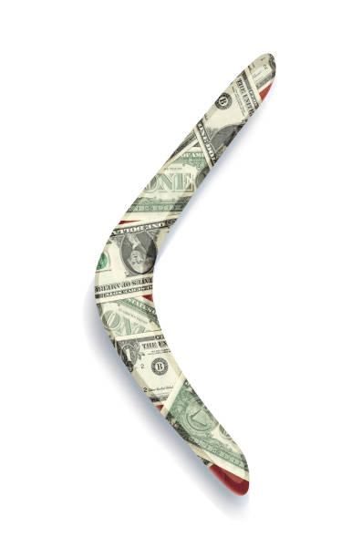 bumerang aus mahagoni mit applikationen aus dollarnoten - kostenlose onlinespiele stock-fotos und bilder