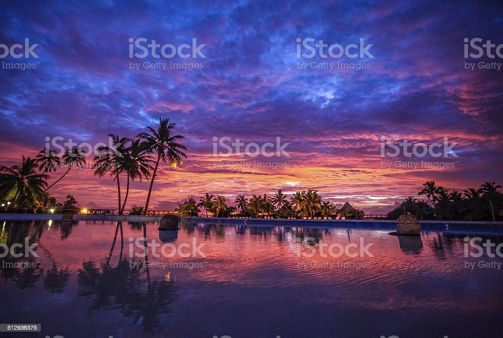 Atardecer de Bora Bora - foto de stock