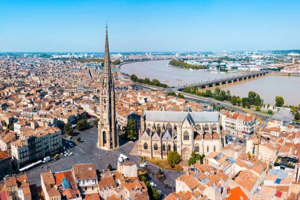Bordeaux aerial panoramic view, France Bordeaux aerial panoramic view. Bordeaux is a port city on the Garonne river in Southwestern France bordeaux stock pictures, royalty-free photos & images