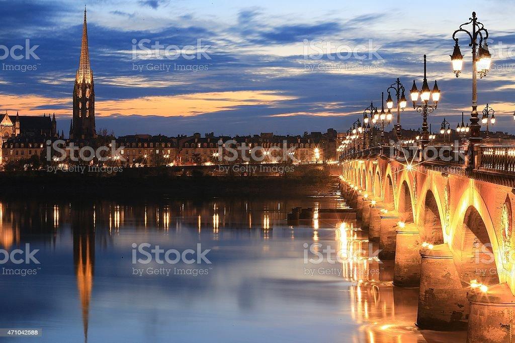 Bordeaux de nuit - Photo