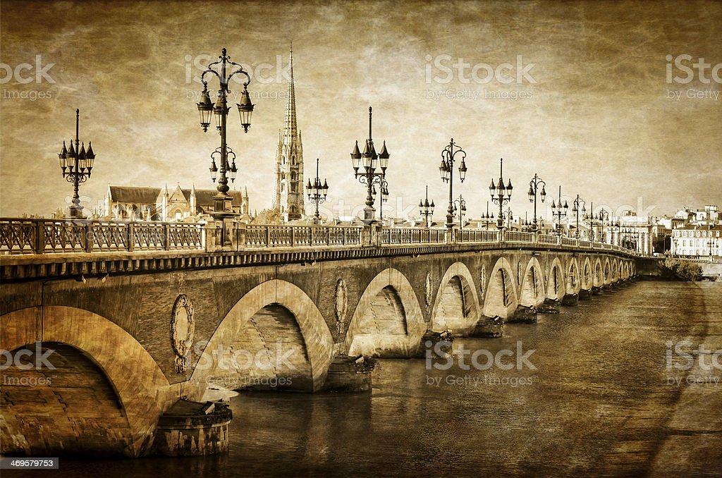 Bordeaux river bridge et Cathédrale Saint-Michel vintage - Photo