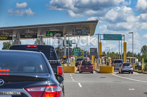 Busy border crossing at US/Canada Border, Peace Arch, Washington state, USA