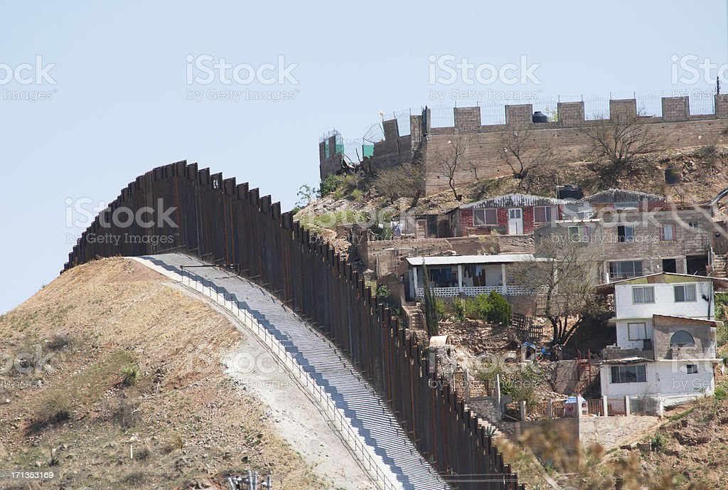 Fronteira muro de Nogales, México - foto de acervo