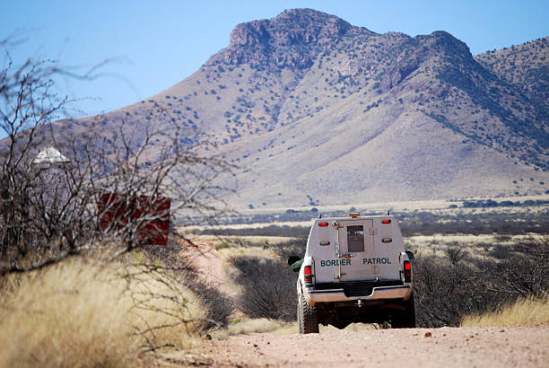 Border patrol truck with mountains  department of homeland security stock pictures, royalty-free photos & images