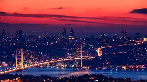 босфорский мост на закате, стамбул - стамбул стоковые фото и изображения