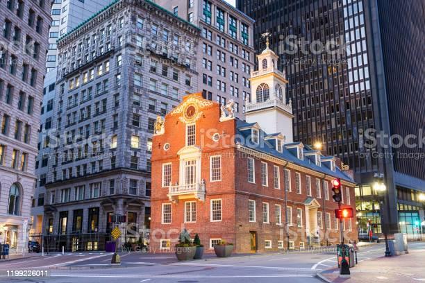 Boston massachusetts usa old state house picture id1199226011?b=1&k=6&m=1199226011&s=612x612&h=edfucbydkwbl4wgv7sumttmwmrl g8jls1bwx7 09fo=