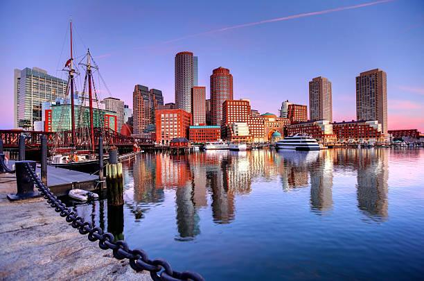 бостон на harborwalk - район стоковые фото и изображения