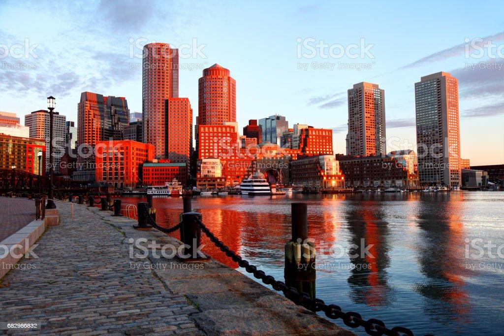Boston Skyline along the Harborwalk foto de stock royalty-free