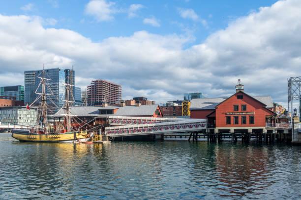 Boston tea party museum boston massachusetts usa picture id641804694?b=1&k=6&m=641804694&s=612x612&w=0&h=yft4akxu6jnlu pyiuiye1yjwvvi3uq0u1tzv8ce5fi=