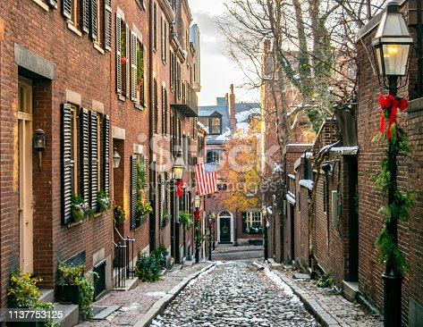 Acorn Street at Christmas Time: Classic