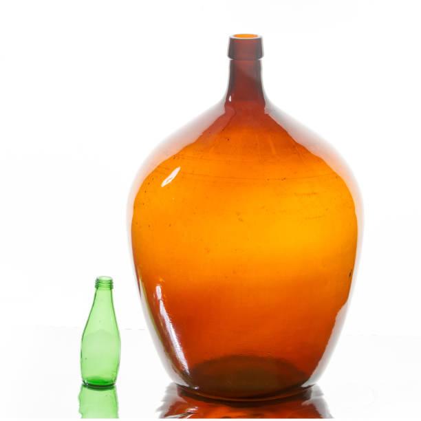 flasche, flasche - mini weinflaschen stock-fotos und bilder
