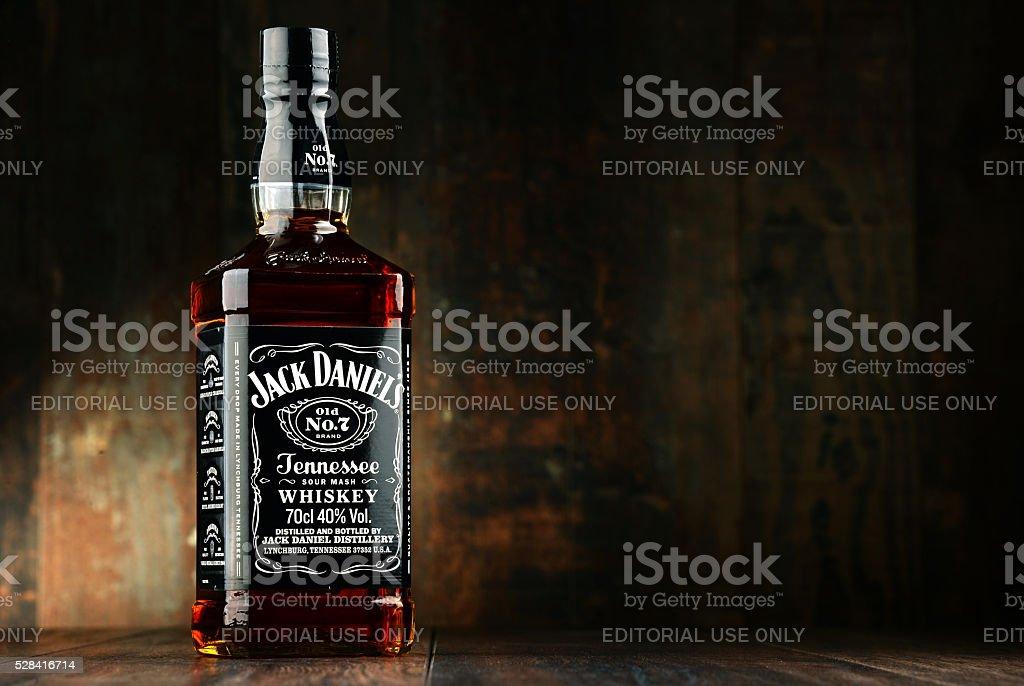 Botella de whisky americano (bourbon) de Jack Daniel - foto de stock