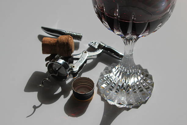 Flasche Wein und Korken oder screw cap – Foto