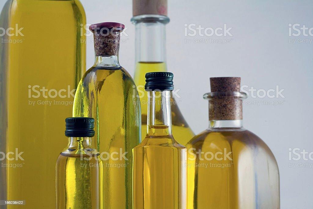 Frascos de aceite de oliva extra virgen - Foto de stock de Aceite de oliva libre de derechos