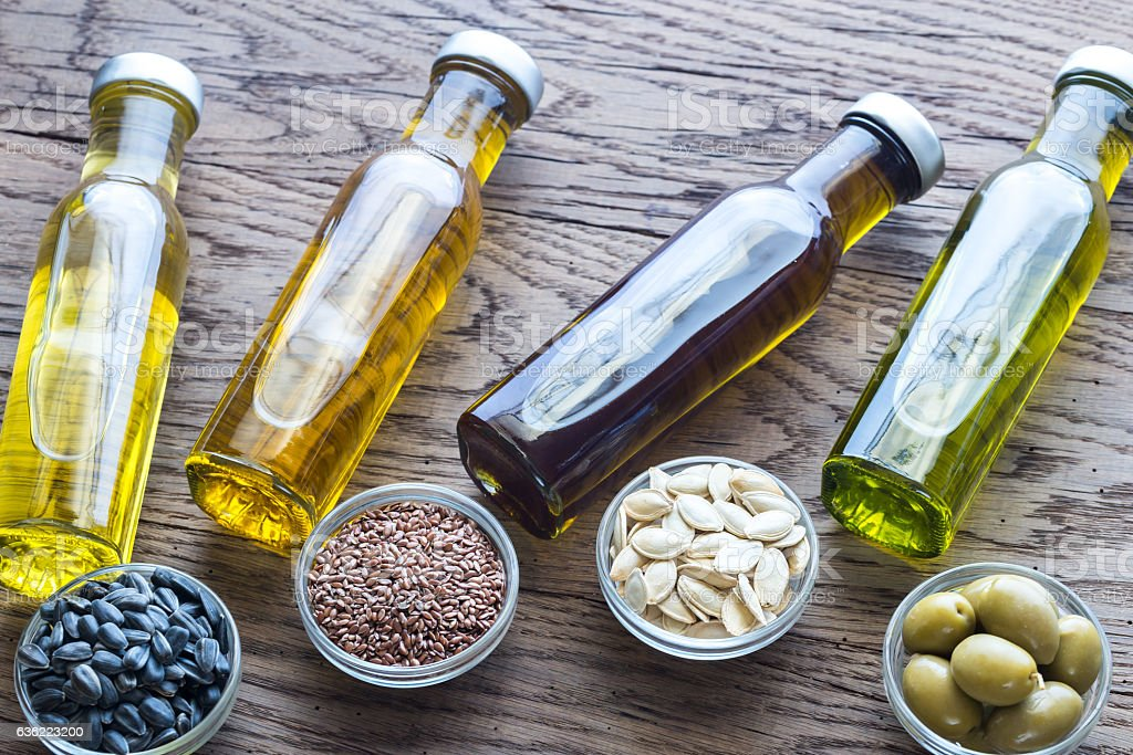 vegetable oil A vegetable oil substitue for baking and cooking should be considered if you are looking for a healthier alternative, or if you simply ran out of veg oil.