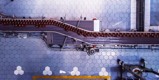 bottling plant in africa - taśma produkcyjna zdjęcia i obrazy z banku zdjęć