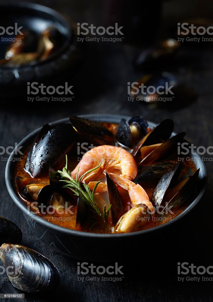 Bouillabaisse tomato fish soup with prawns, mussels, lobster and squid – Foto