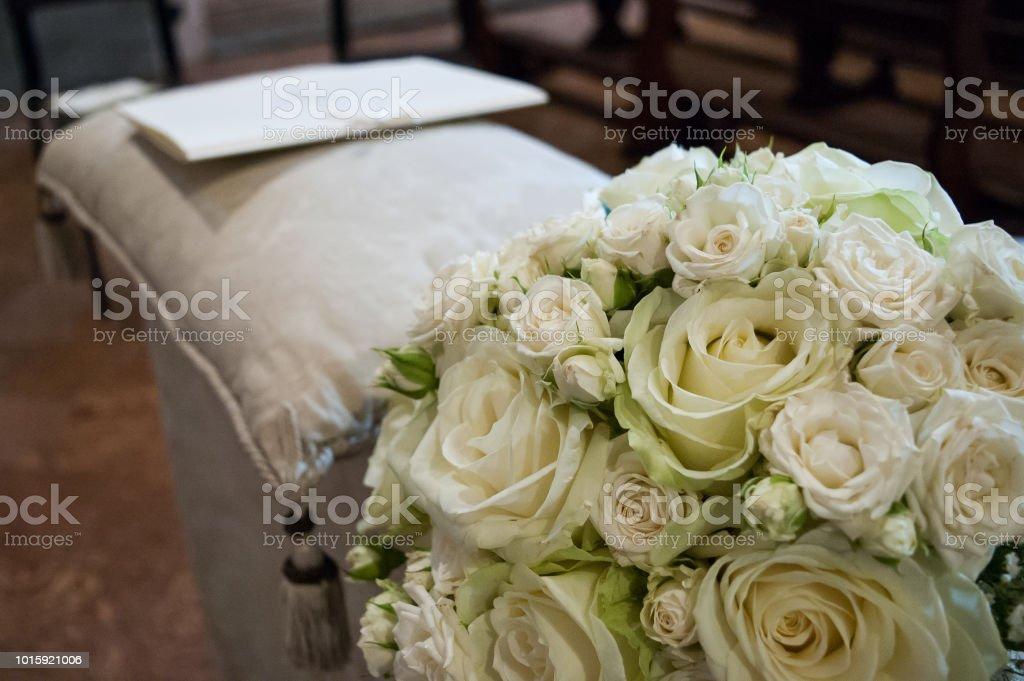 Bouquet Della Sposa.Bouquet Bianco Della Sposa Stock Photo Download Image Now Istock