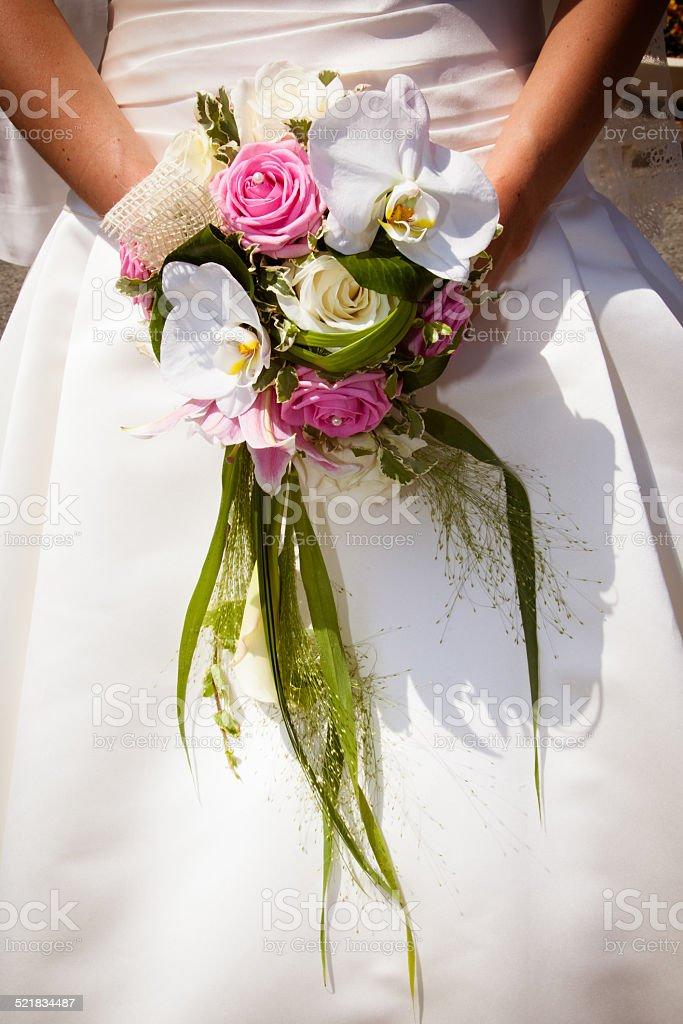 Bouquet blanc et rose de mariée stock photo
