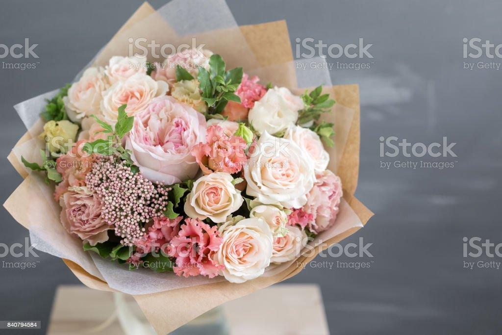 Ramo De Flores En Papel Kraft