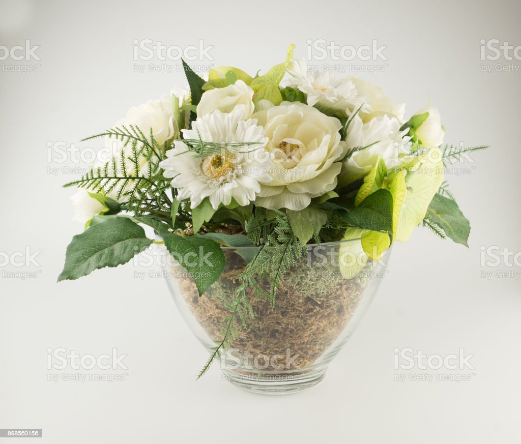 Ramo De Flores Artificiales Foto De Stock Y Más Banco De