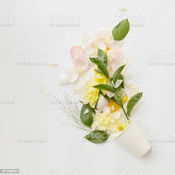 Bouquet of flowers picture id672386644?b=1&k=6&m=672386644&s=612x612&h=ehhr1uflgbrsa22gwqazfnihwrexlsfsfppwzicelns=