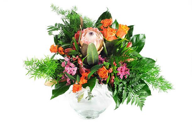 bouquet von blumen mit rosen und protea sugarbushes - protea strauß stock-fotos und bilder