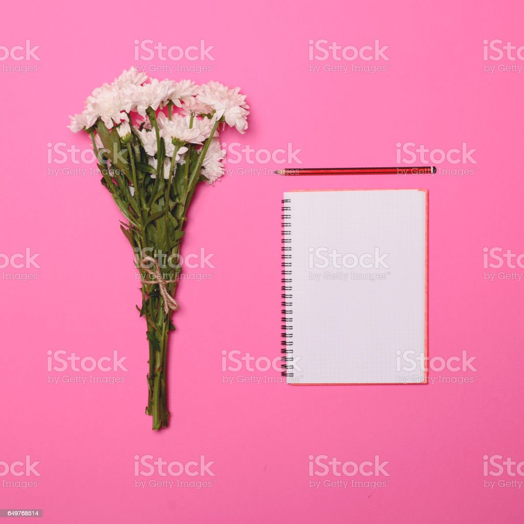 Bouquet Of Fresh White Summer Flowers And Blank Notebook And Pen On ...